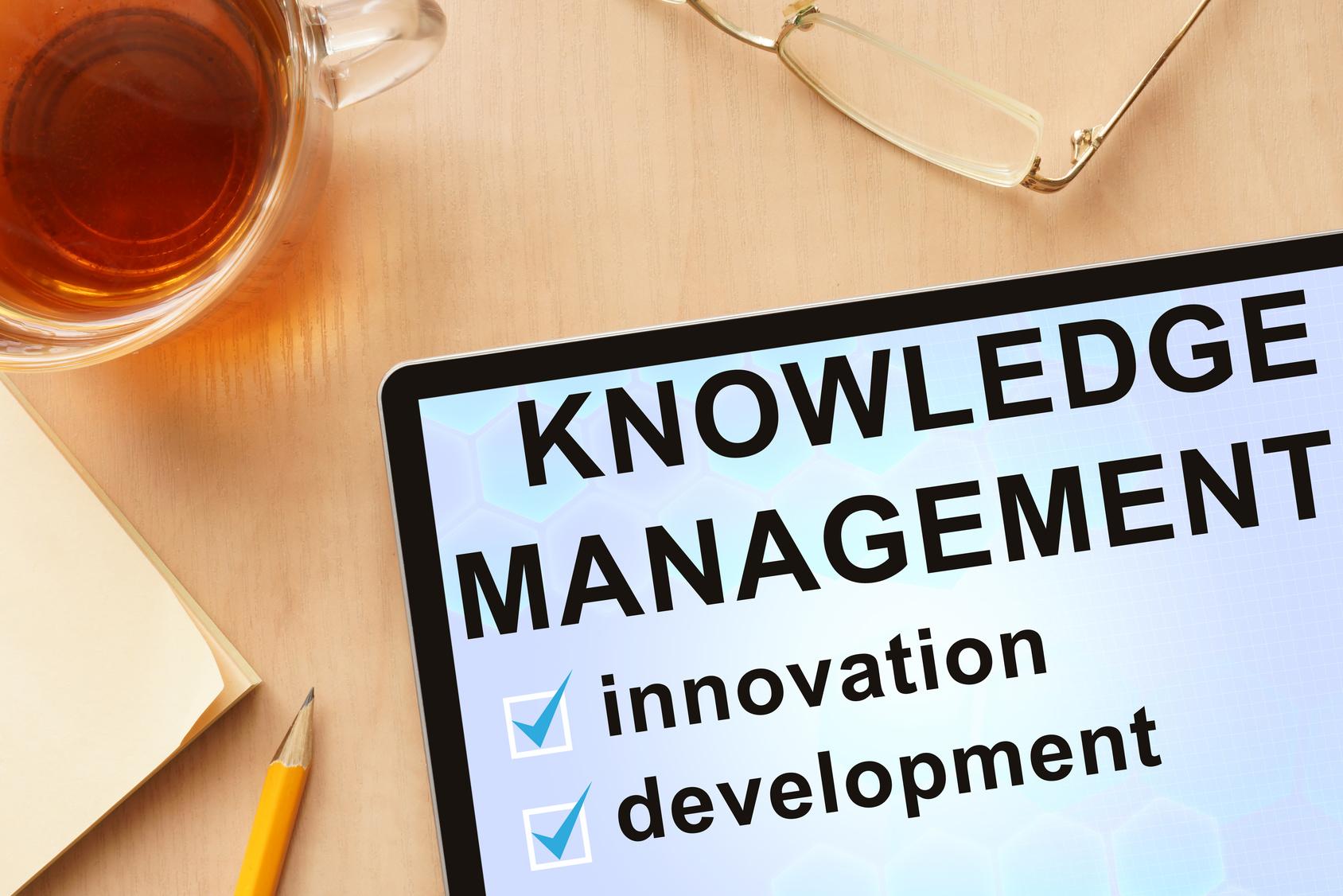 Knowledge Management im Service(© designer491 - Fotolia)
